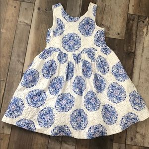 This is a very beautiful dress.